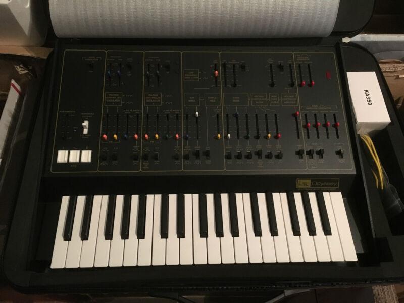 Korg Arp Odyssey Mkii 37-note Keyboard  Analog Synth Rev 2  W/case //armens//.
