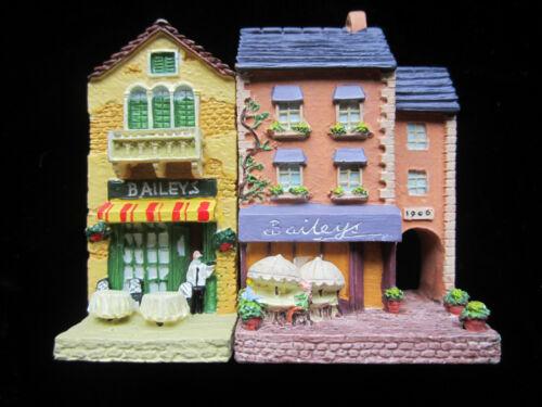 Set of 2 Miniature Bailey