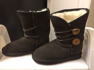 Girl's Ukala brown suede boots size 1 (worn once)
