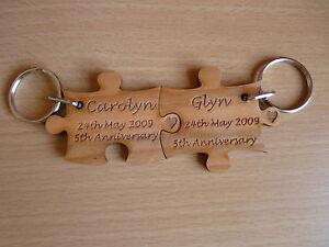 Personalised Pair Wood Jigsaw Keyrings: 5th Wedding Anniversary/Couple
