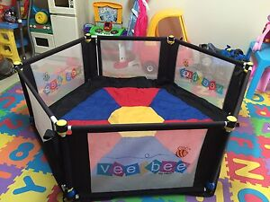 Vee Bee Six Sided Play Yard Marayong Blacktown Area Preview