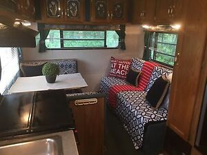 1994 Chateau 24ft 5th Wheel for Sale