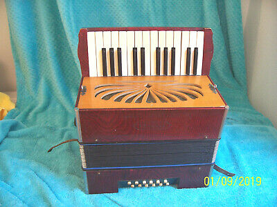 Beautiful VENEZIA Accordion Hohner Accordian  made in Germany as is for display