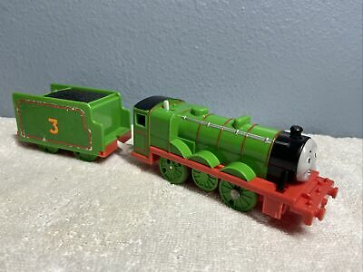 Henry Thomas & friends trackmaster motorized train + Tender 2009 Mattel works