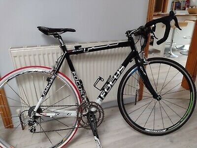 Focus Azalco Expert, black, with Chorus chainset and Look pedals. VGC.