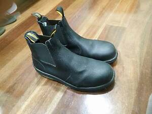 Blundstone 330 steel capped work boots Karrinyup Stirling Area Preview