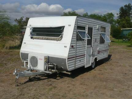 AIR CONDITIONED CARAVAN - REGISTERED - AS NEW INTERIOR
