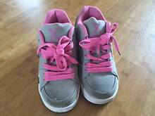 Girls Grey Skate Shoes - Size 4 Doubleview Stirling Area Preview