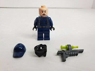 LEGO minifigure Jurassic World dinosaur minifig mini figure Includes accessories
