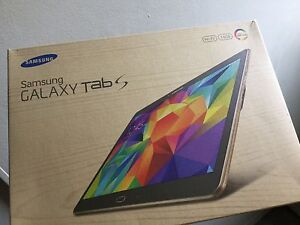 "Samsung Galaxy Tab S 10.5"" Super Amoled screen, mint"