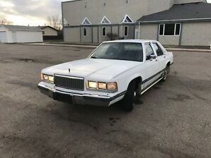 1989 mercury grand marquis in good condition 2500 o.b.o