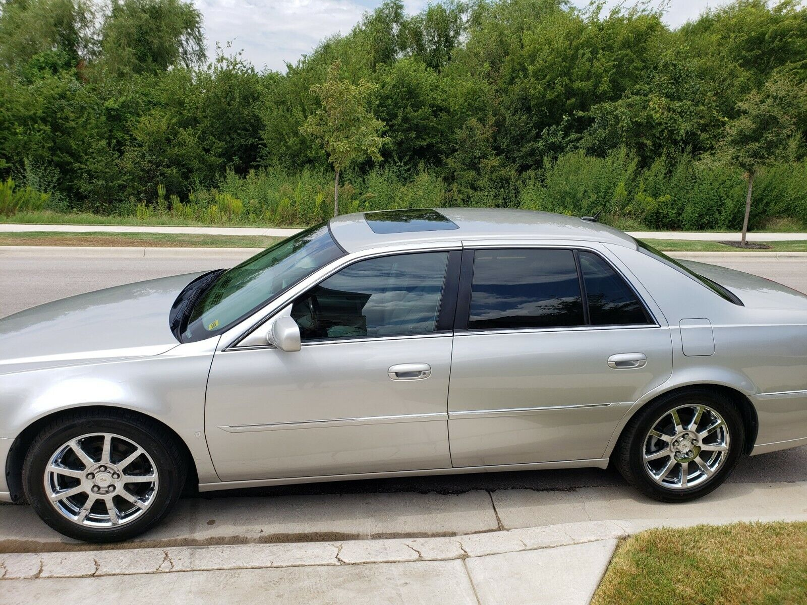 2007 Cadillac DTS Performance Luxury 2007 Cadillac DTS Performance Package, Tons of Safety features and options.