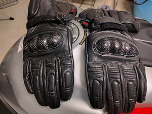 Aldi torque motorcycle gloves M carbon  knuckle leather Nudgee Brisbane North East Preview