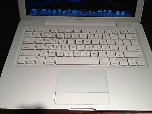 Apple MacBook Core2Duo 2.4Ghz 2GB RAM 160GB HD 13