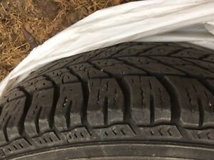 4 Winter tires 225/55/17 Penus hiver Goodyear with rim 5x114.3