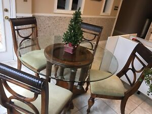 5 piece beautiful dining room set and more!