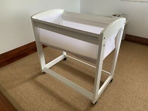 Boori / Tasman Eco Bassinet, white