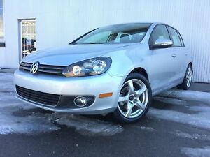 2013 Volkswagen Golf Highline, LEATHER, SUNROOF, BLUETOOTH.