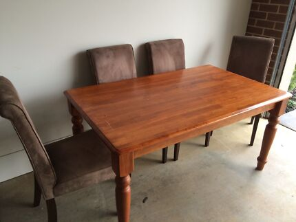 Wooden table and 4 chairs Warragul Baw Baw Area Preview
