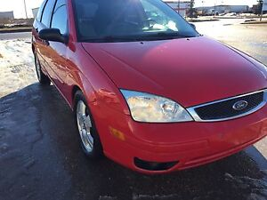 2005 Ford Focus ZX5 SES **REDUCED** MUST SELL ASAP