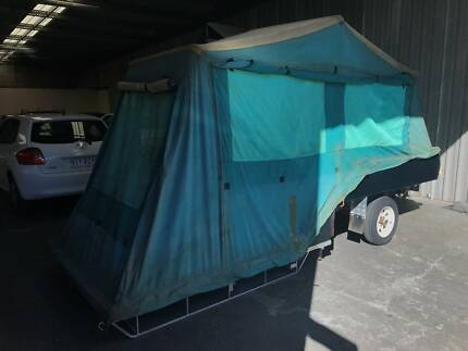 Hardfloor Camper Trailer
