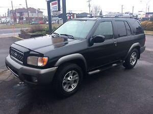 2001 pathfinder 4x4 cuir toit pneus dhiver neufs!