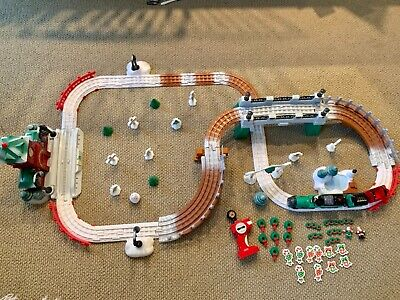 FISHER PRICE GEOTRAX North Pole Express CHRISTMAS IN TOYTOWN TRAIN SET