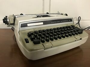 Working Eaton Viking Electric Portable Typewriter