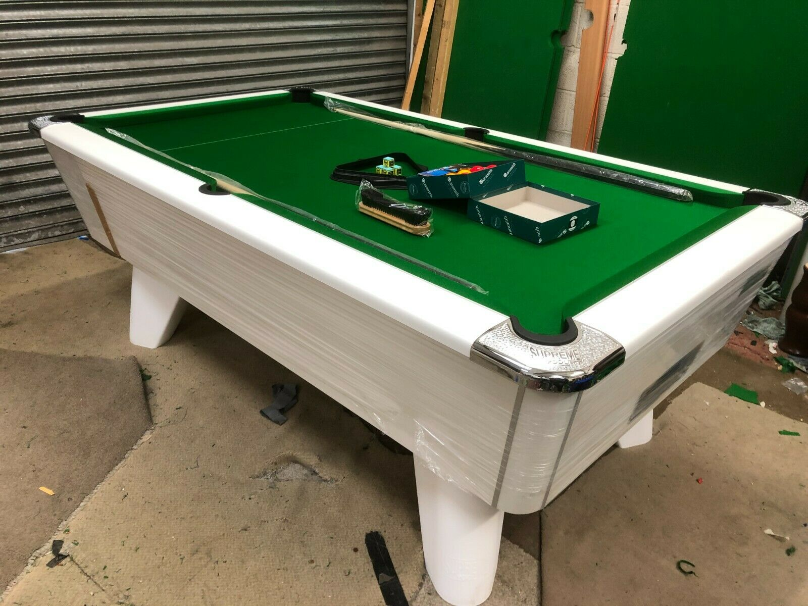 7FT BY 4FT NEW SUPREME WINNER WHITE FREEPLAY POOL TABLE CAN DELIVER IN STOCK