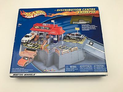 Us Distribution Center - Brand New in BOX Mattel Hot Wheels Distribution Centre Toy R Us Exclusive