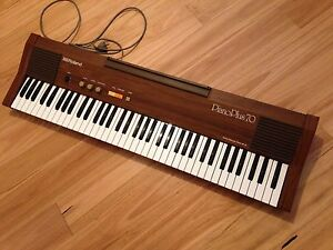 Vintage Roland Electronic Piano/Keyboard HP-70 Piano Plus 70 Redhead Lake Macquarie Area Preview