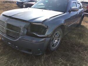 2006 Dodge Magnum for parts