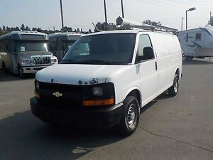2007 Chevrolet Express 2500 Cargo w/ Shelving & Bulkhead Divider