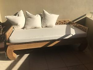 Stunning Empire Day Bed with Custom Warwick Cushions South Fremantle Fremantle Area Preview