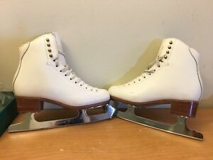 Professional Competitor Figure Skates Women's Size 6B