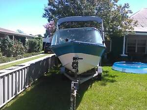 Boat and trailer Mathoura Murray Area Preview