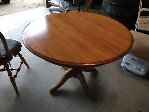 Roxton Canadian Made Solid Maple Kitchen Table and Chairs