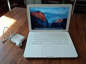 Apple MacBook Core 2 Duo 2.4Ghz mid 2010 2Gb Ram 250Gb HD Girrawheen Wanneroo Area Preview