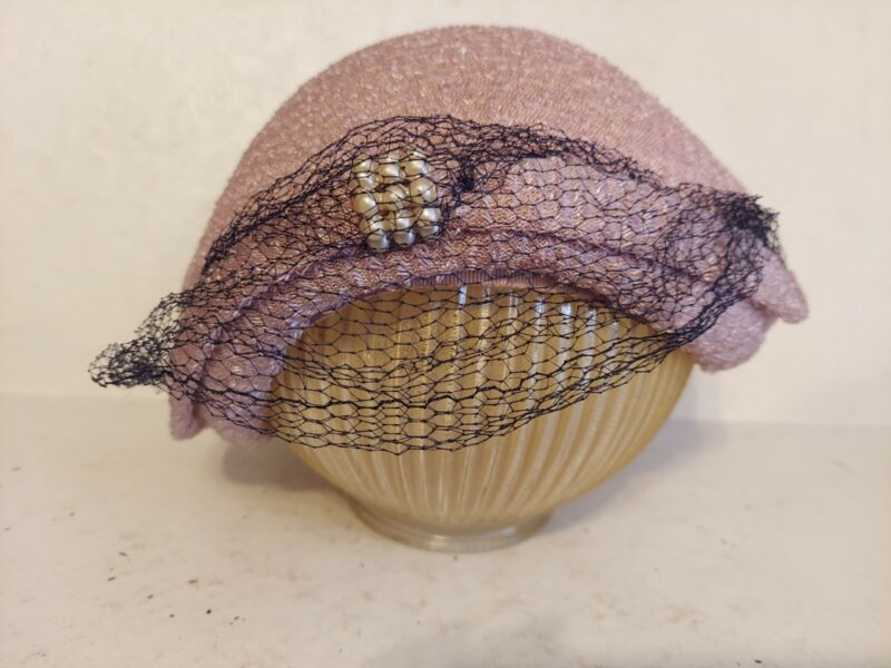 Vintage Ladies Light Purple Lilac Casque Hat With Netting & Pearls