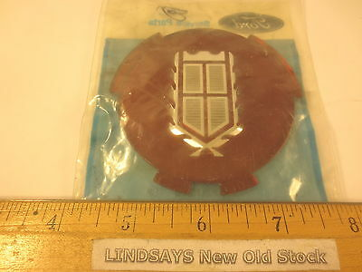 """FORD 1986 CROWN VICTORIA """"APPLIQUE"""" (WHEEL COVER) UNOPENED NOS FREE SHIPPING"""