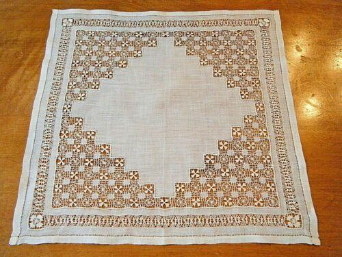 Exquisite antique Wedding handkerchief Teneriffe lace w Maltese cross hand done