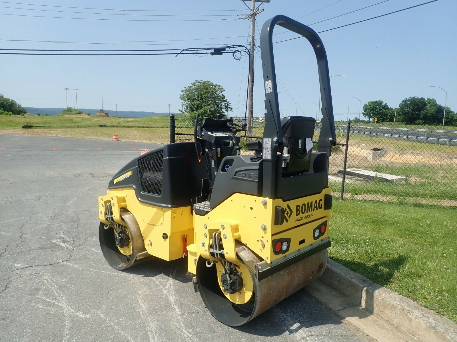 NEW 2019 BOMAG BW120SL-5 RIDE ON SMOOTH VIBRATORY ROLLER, 25 HP KUBOTA DIESEL