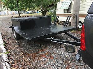 REMOVIBLE BOX TRAILER WITH MOTORBIKE RACK Park Ridge Logan Area Preview