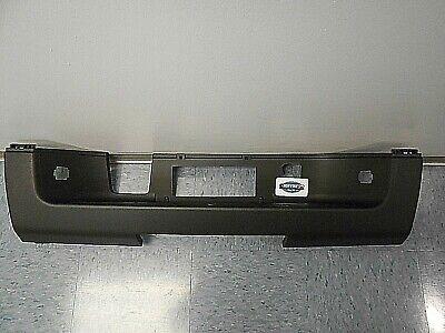 New Rear Bumper Center Step Pad - 2007-2014 Chevrolet Silverado GMC Sierra
