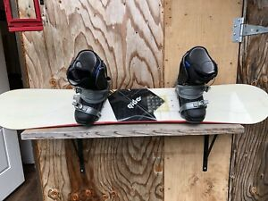 Ride Decade with Burton Moto Black boots (12)