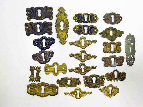 23 Assorted Victorian Key Escutcheons Ornate Stamped Brass Some Pairs - 1 Set 3