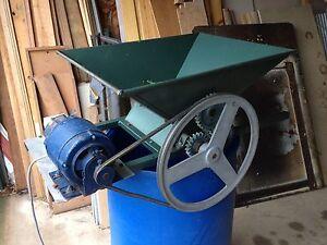 Electric grape crushing machine Kurrajong Hawkesbury Area Preview