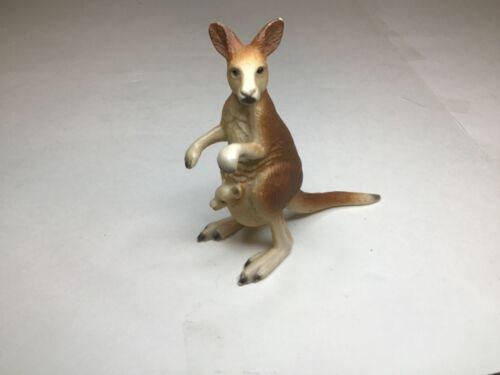 2000 Schleich Kangaroo Figurine