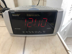 Emerson Research SmartSet Time Projector Dual Alarm Clock Radio AM/FM CKS3528!