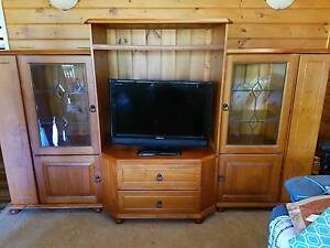 TV DISPLAY CABINET with DVD and ornament storage Mount Low Townsville Surrounds Preview